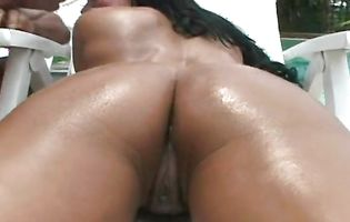 Dishy Sabrena receives a throbbing dinky in her taut poon tang