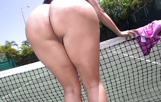 Kiara gets a serving of cock on a tennis court