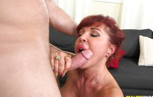Mature babe Vanessa Bella has her way with Levi Cash