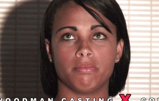 Good looking latina slut has an interview with casting agent