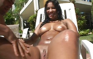 Big dicked hunk Tony Tigrao plows Charol and Byanca outdoors