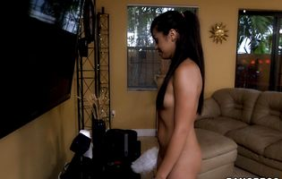 Salacious latin brunette bitch Eva Saldana hooked up with a married buddy and fucked him