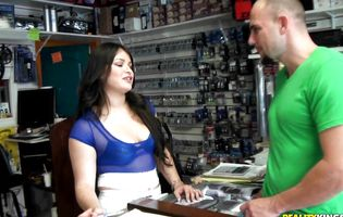 Insatiable latin Sofia Andrea is easily convinced to fuck a brawny stud